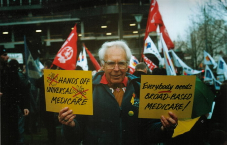Mannie at rally to save Medicare - Photo by Ken Lovett, Melbourne, 2004